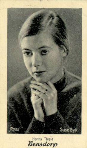 The Kiss - Hertha Thiele