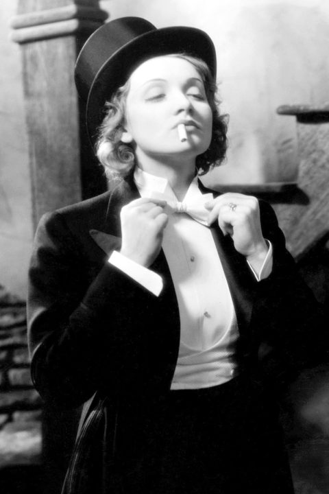The Kiss - Marlene in suit